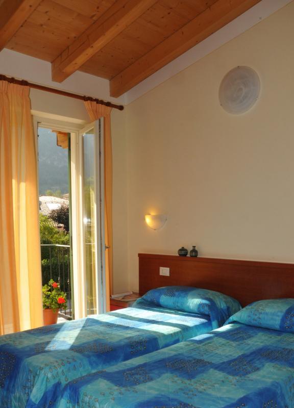 Single bedroom with 2 single beds - Residence Vico - Idro lake
